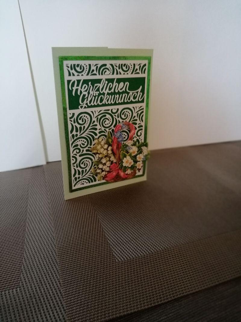 Kleinesbild - Geburtstagskarte für eine Frau in grün mit Maiglöckchen