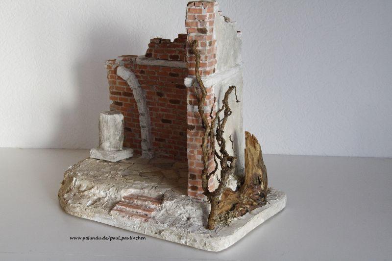Kleinesbild - Weihnachtskrippe inkl.Figuren, bis ins kleinste Detail selbst angefertigt,  Modell 5058,   bei Paul & Paulinchen