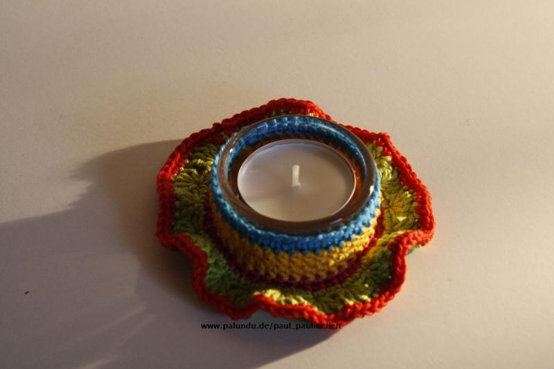 Kleinesbild - Teelichthalter Kunterbunt,  Artikel 1005 gehäkelt inkl. Glas und Teelicht