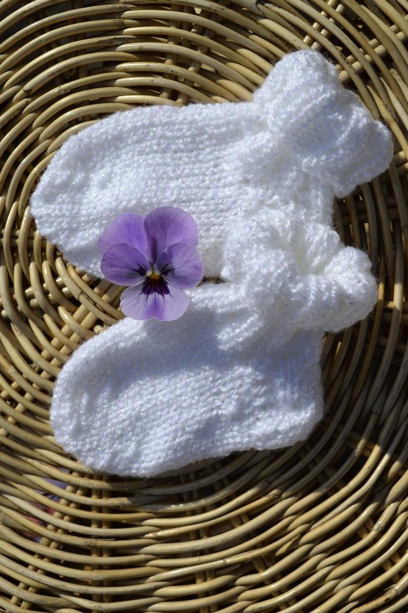 - Babysocken Socken Erstlingssocken Stricksocken weiß Glitter handgestrickt gestrickt 0 - 6 Monate Taufe  - Babysocken Socken Erstlingssocken Stricksocken weiß Glitter handgestrickt gestrickt 0 - 6 Monate Taufe