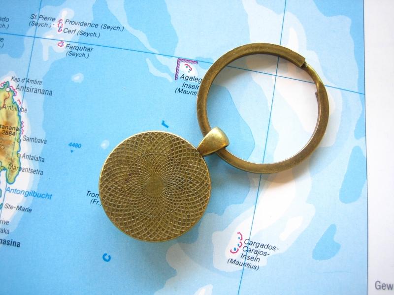 Kleinesbild - Schlüsselanhänger HAMBURG ♥ bronze *Landkarte* ACCESSOIRE