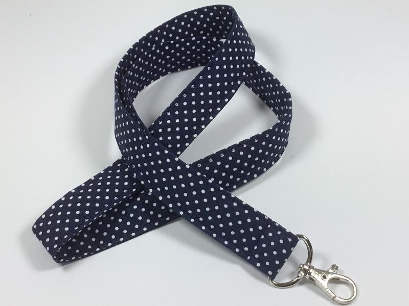 - Langes Schlüsselband in dunkelblau mit kleinen weißen Punkten,Schlüsselanhänger - Langes Schlüsselband in dunkelblau mit kleinen weißen Punkten,Schlüsselanhänger