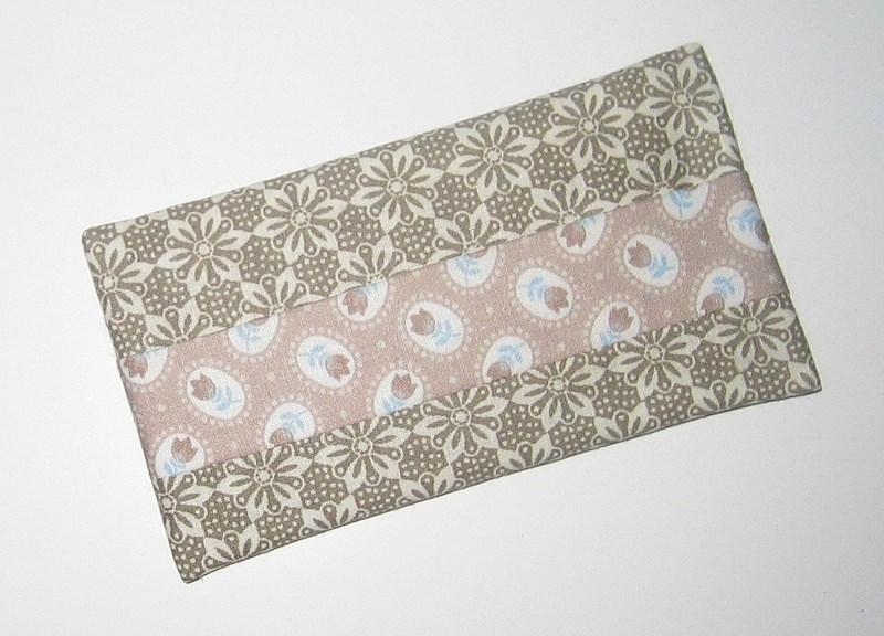 Kleinesbild - Taschentücher-Etui light, aus Baumwollstoff mit Innenfutter für die Handtasche