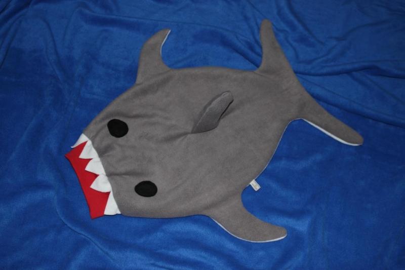 Kleinesbild - Baby Pucksack Schlafsack Hai Strampelsack Gr. 50/56 shark sleepingbag