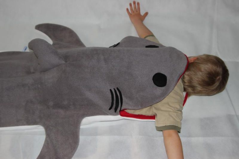 - Kinder Schlafsack Hai Strampelsack shark puck bag sleeping bag children  - Kinder Schlafsack Hai Strampelsack shark puck bag sleeping bag children