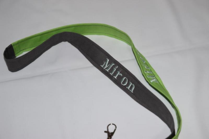 - Schlüsselanhänger mit Name Namensbänder Umhängeband  - Schlüsselanhänger mit Name Namensbänder Umhängeband