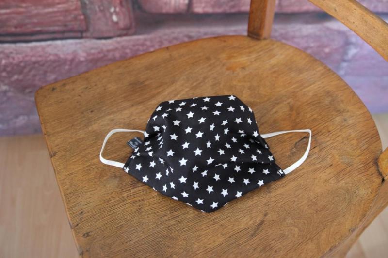 Kleinesbild - Mundbedeckung Maske Mundmaske Mund-  und Nasenbedeckung schwarz weiß Sterne