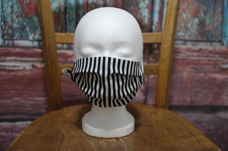 - Mundbedeckung Maske Mundmaske Mund-  und Nasenbedeckung schwarz weiß gestreift - Mundbedeckung Maske Mundmaske Mund-  und Nasenbedeckung schwarz weiß gestreift