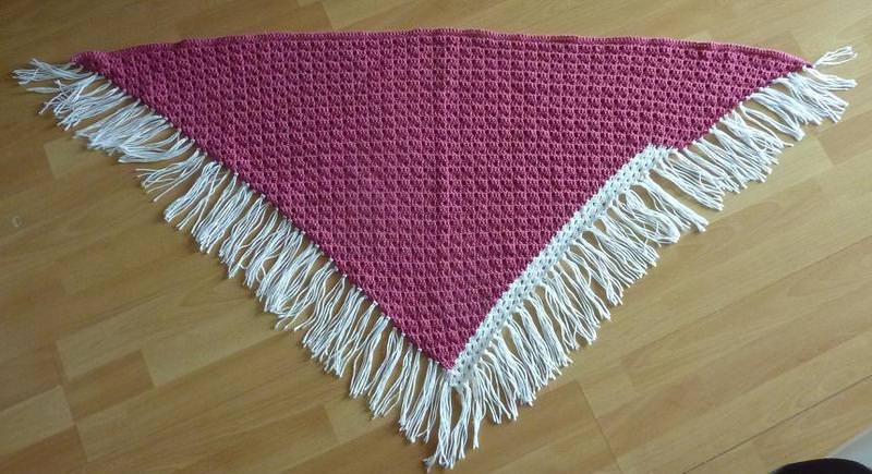 Kleinesbild - Gehäkeltes Dreieckstuch pink-weiß