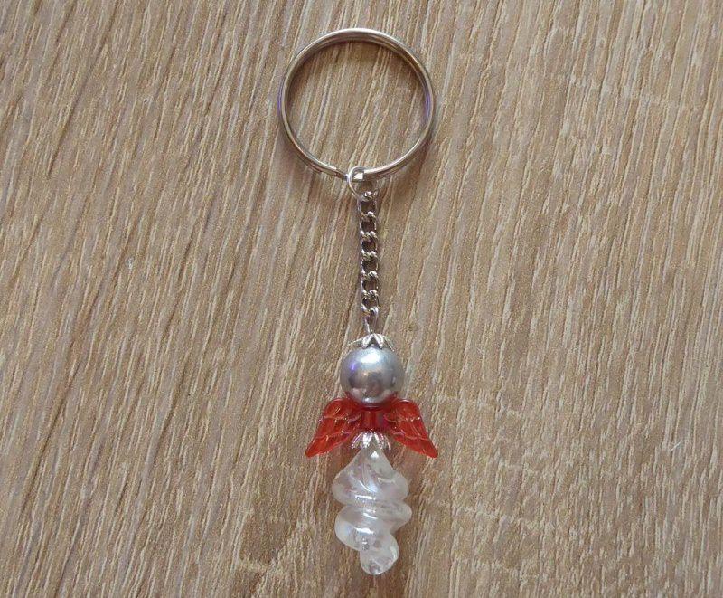 - Handgefertigter Schlüsselanhänger mit Acrylflügeln - Engel  - rot-silber-farblos - Handgefertigter Schlüsselanhänger mit Acrylflügeln - Engel  - rot-silber-farblos