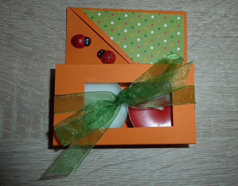 - Teelichtgeschenkset mit zwei Teelichtern - orange-grün - Teelichtgeschenkset mit zwei Teelichtern - orange-grün