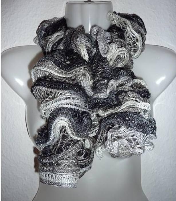- eleganter, gestrickter Schal aus Netzgarn - grau-schwarz - eleganter, gestrickter Schal aus Netzgarn - grau-schwarz