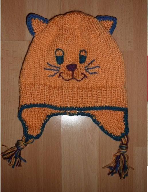 - gestrickte Mütze mit Katzengesicht - gestrickte Mütze mit Katzengesicht