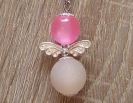 - Handgefertigter Schlüsselanhänger mit Metallflügeln - rosa-weiß - Handgefertigter Schlüsselanhänger mit Metallflügeln - rosa-weiß