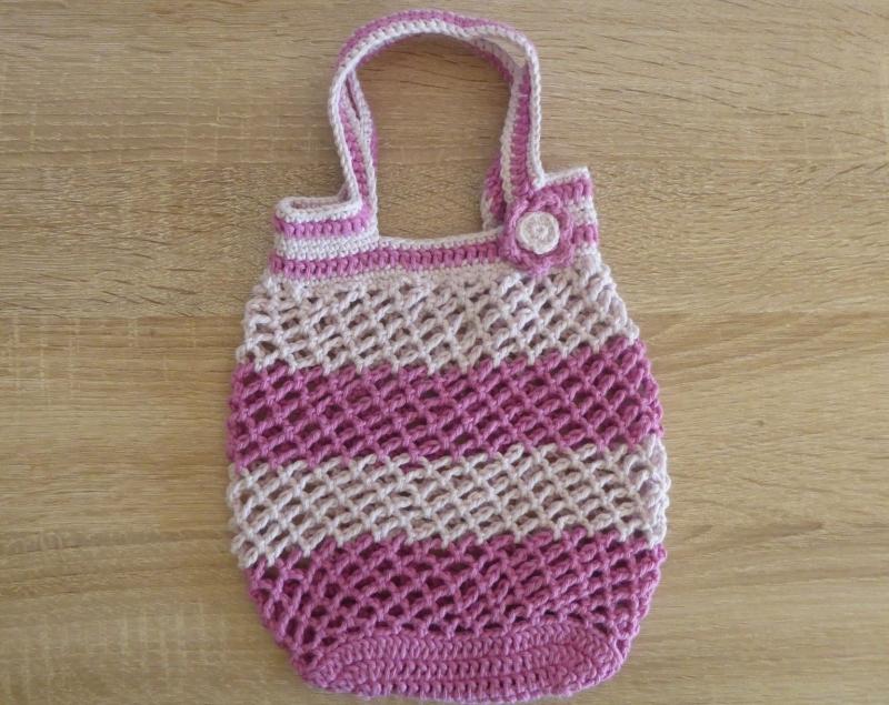 - Kleines, handgehäkeltes Einkaufsnetz/Einkaufstasche mit Blümchen (rosa-pink) - Kleines, handgehäkeltes Einkaufsnetz/Einkaufstasche mit Blümchen (rosa-pink)