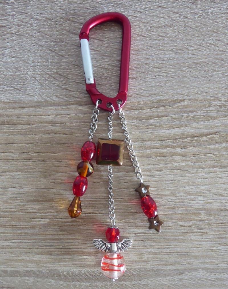 Kleinesbild - Taschenanhänger/Taschenbaumler aus Perlen und Metallketten mit Engelchen (rot-braun-silber)