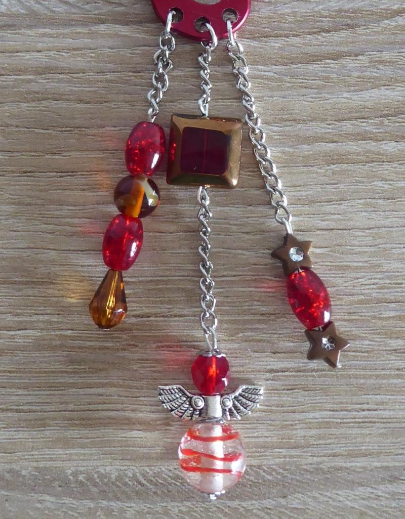 - Taschenanhänger/Taschenbaumler aus Perlen und Metallketten mit Engelchen (rot-braun-silber)  - Taschenanhänger/Taschenbaumler aus Perlen und Metallketten mit Engelchen (rot-braun-silber)