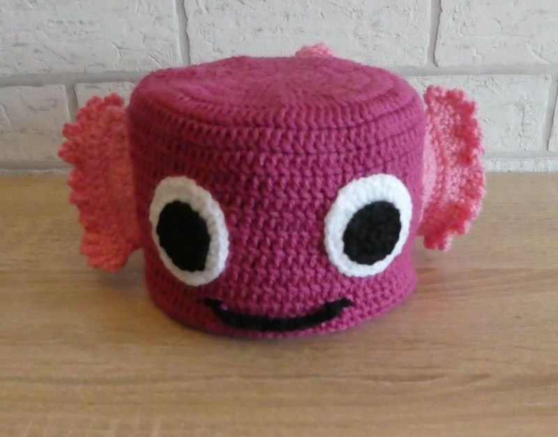 - Gehäkelter Klopapierhut - Fisch - rosa-pink - Gehäkelter Klopapierhut - Fisch - rosa-pink