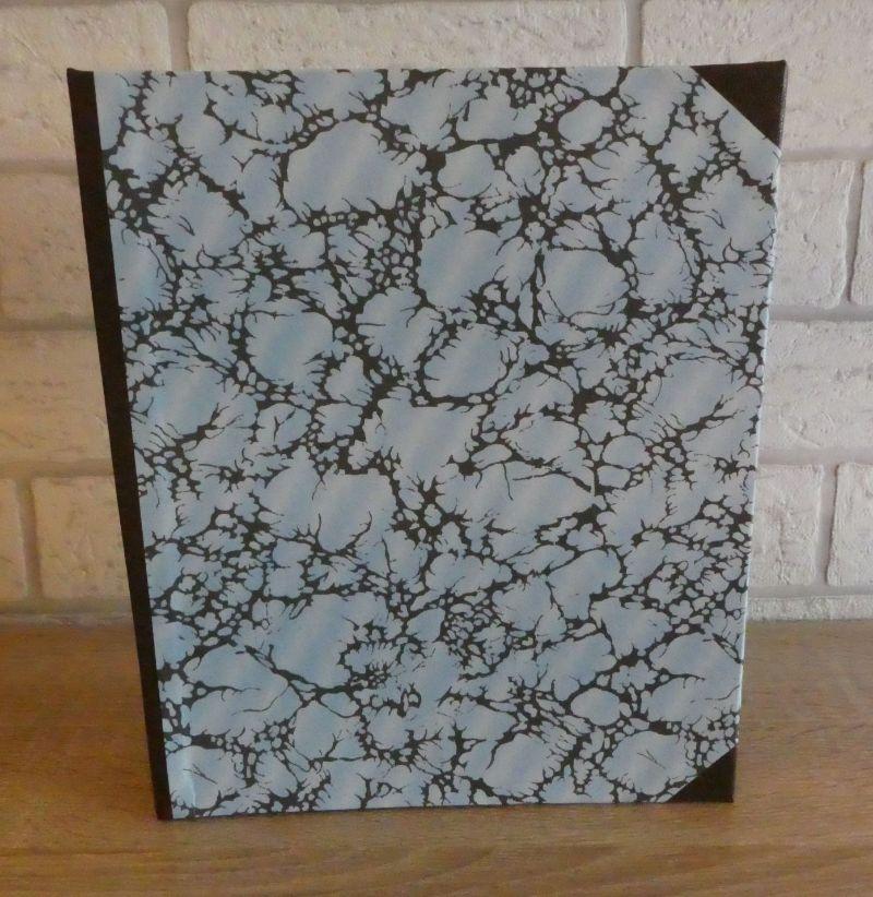 - Handgefertigtes Ringbuch für DIN A5 aus Pappe, Papier und Buchleinen - blau, braun, grau - Handgefertigtes Ringbuch für DIN A5 aus Pappe, Papier und Buchleinen - blau, braun, grau