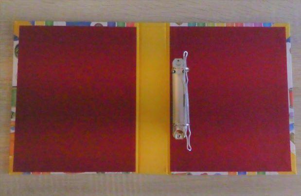 Kleinesbild - Handgefertigtes Ringbuch für DIN A5 aus Pappe, Papier und Buchleinen - Motiv: Garn / Nähen / Handarbeiten