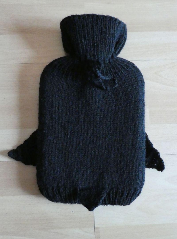 Kleinesbild - Gestrickter Wärmflaschenbezug - Pinguin inkl. Wämflasche