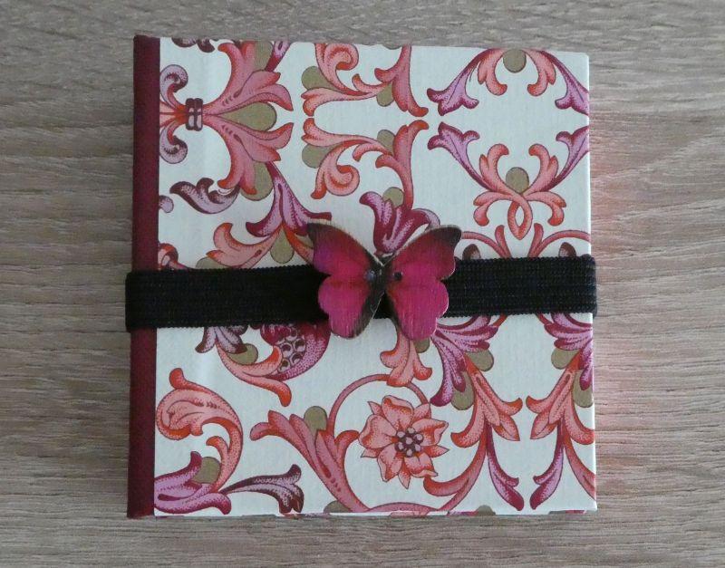 - Hangefertigtes Haftnotizzettelbüchlein aus Papier und Buchleinen - Ornamente, Schmetterling (rosa, pink, weiß, gold, rot) - Hangefertigtes Haftnotizzettelbüchlein aus Papier und Buchleinen - Ornamente, Schmetterling (rosa, pink, weiß, gold, rot)