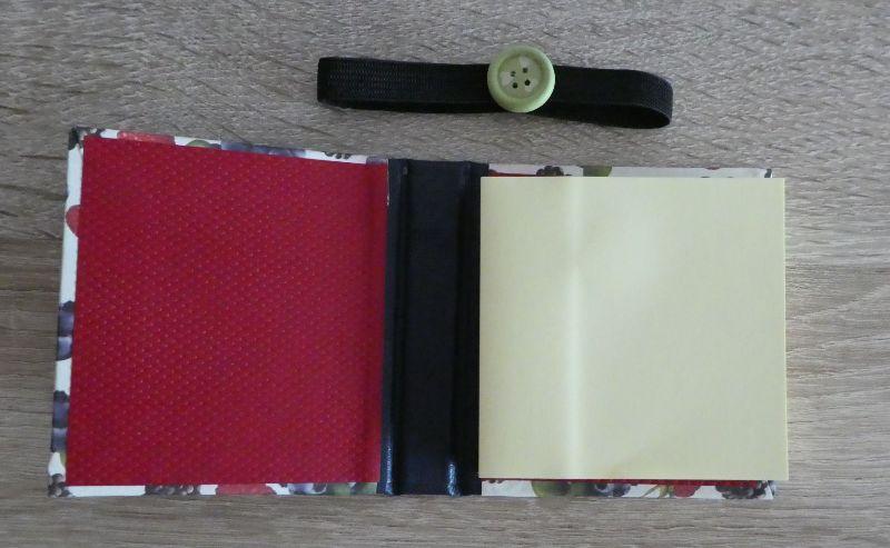 Kleinesbild - Hangefertigtes Haftnotizzettelbüchlein aus Papier und Buchleinen - Beeren (Erdbeeren, Himbeeren, Brombeeren, Blaubeeren)