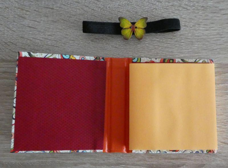 Kleinesbild - Hangefertigtes Haftnotizzettelbüchlein aus Papier und Buchleinen - bunt mit Schmetterling