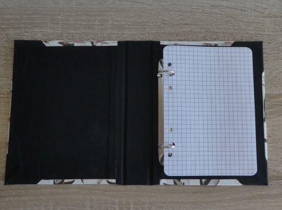 Kleinesbild - Handgefertigtes Ringbuch für DIN A6 aus Pappe, Papier und Buchleinen - Motiv: Pinguine