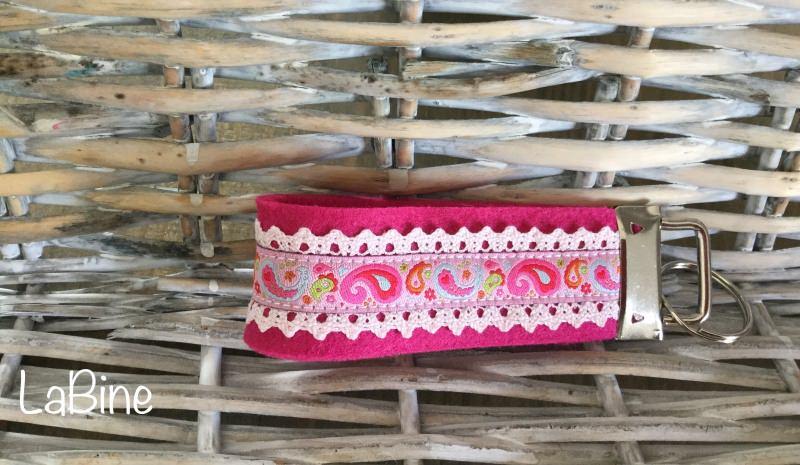 Kleinesbild - Schlüsselanhänger Schlüsselband Filz Paisley pink