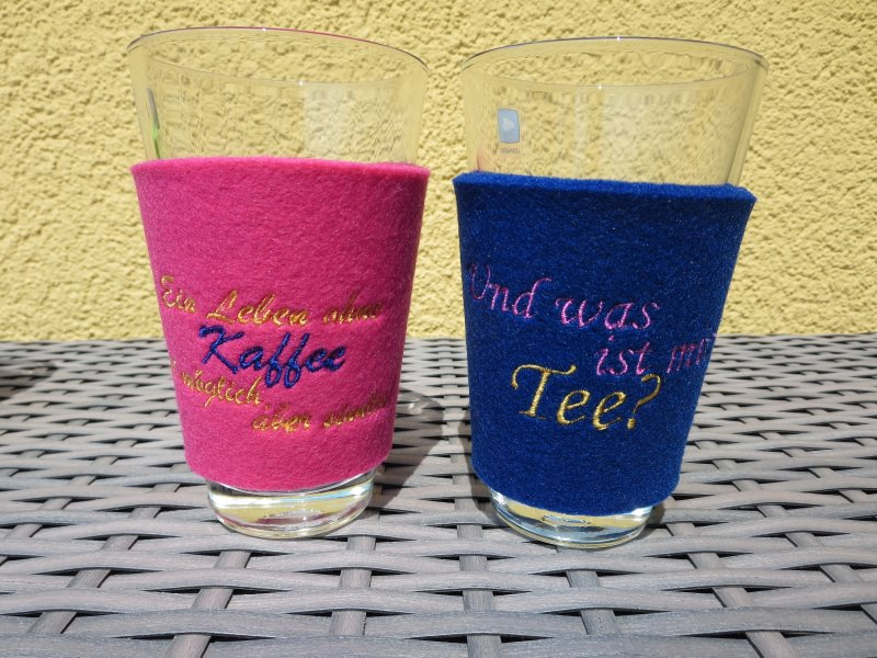 - 2er Set Kaffee- &Tee-Glas mit bestickter Filzhülle - 2er Set Kaffee- &Tee-Glas mit bestickter Filzhülle