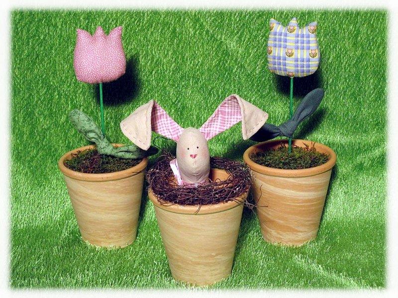Kleinesbild - Osterhase und Tulpen im Topf - super-niedliche Osterdeko