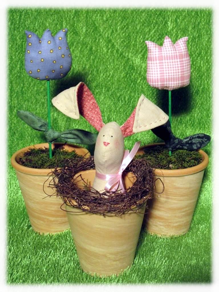 - Osterhase und Tulpen im Topf - super-niedliche Osterdeko - Osterhase und Tulpen im Topf - super-niedliche Osterdeko
