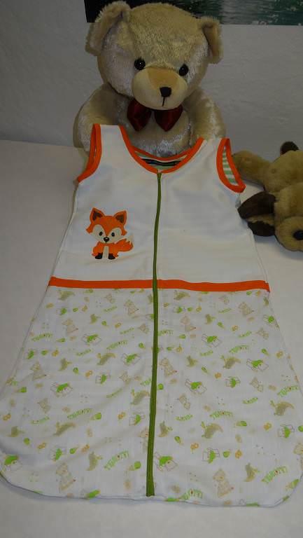 Kleinesbild - Handmade Schlafsack 80 cm aus Baumwolle mit Reißverschluss. Bestickt mit kleinen Fuchs. Gefüttert mit Baumwolljersey.