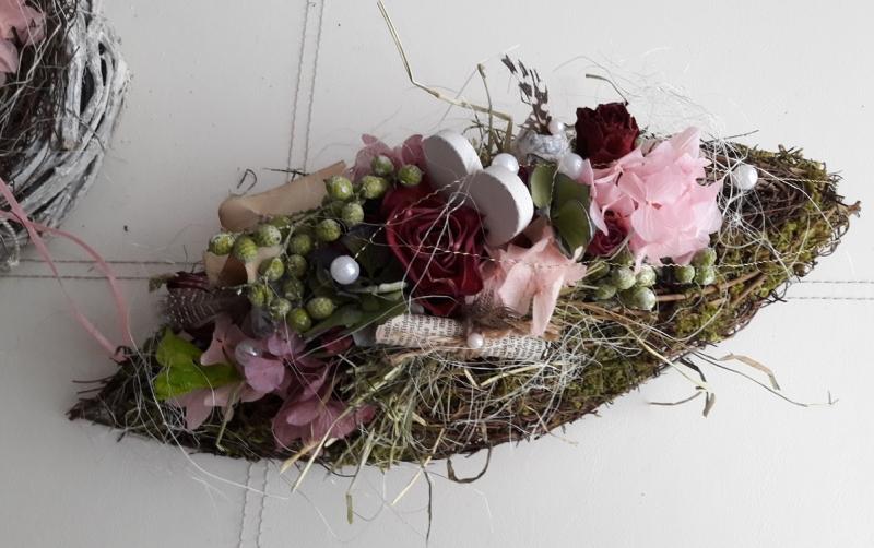 Kleinesbild - Tischdeko Tischgesteck Rosenschiffchen Frühling mit Naturmaterialien