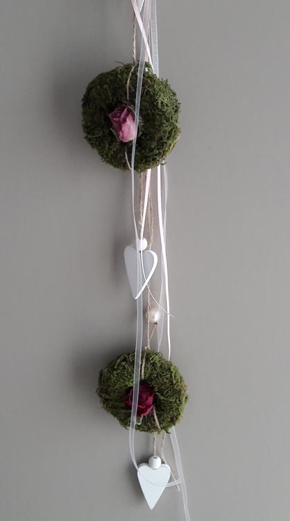 Kleinesbild - Hängedeko Fensterdeko Wanddeko Herz Frühling mit Naturmaterialien