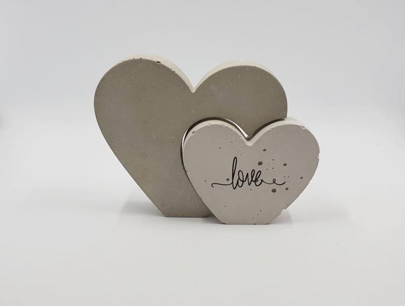 - Herzen aus Beton 2er Set Herz in Herz Größe S beschriftet mit love - Herzen aus Beton 2er Set Herz in Herz Größe S beschriftet mit love