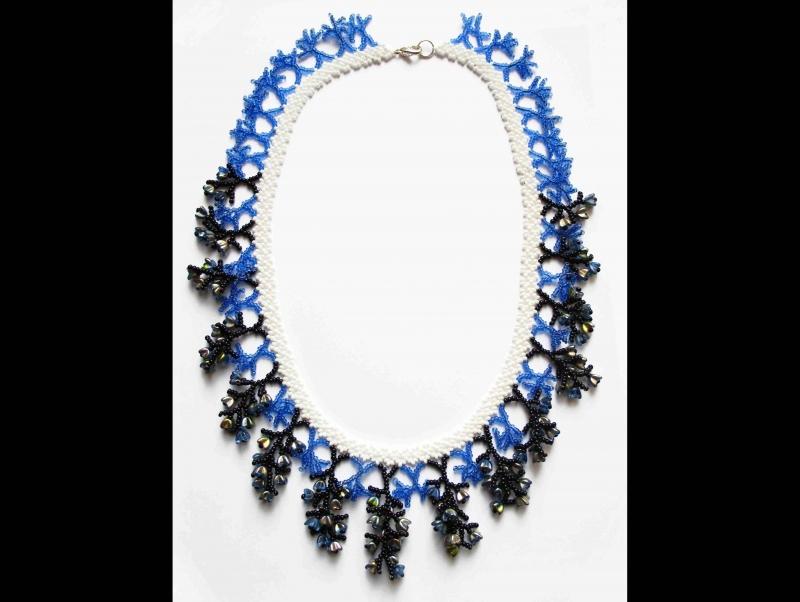 Kleinesbild - Korallencollier Set blau-weiß; Collier + Ohrringe