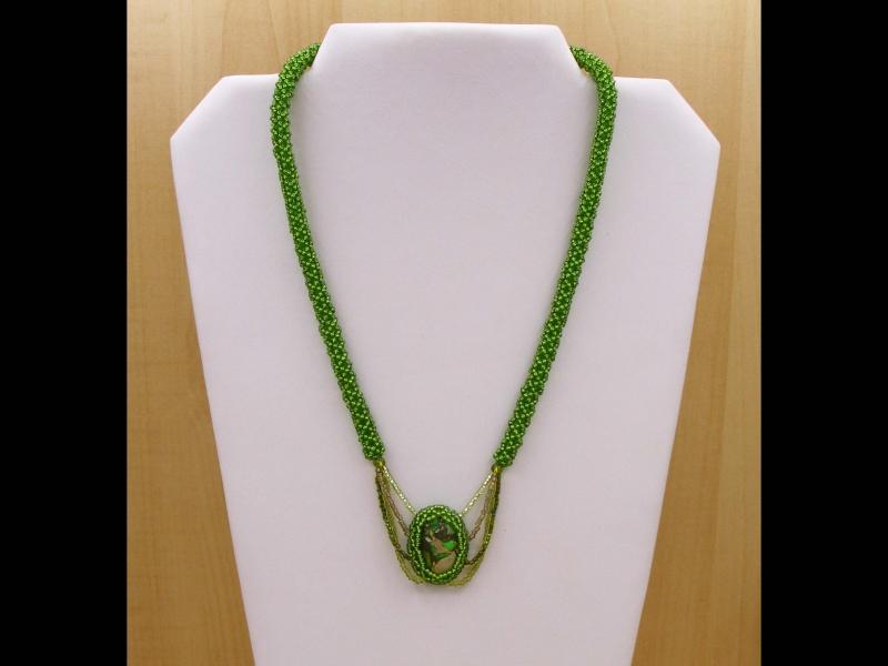 Kleinesbild - Kette mit Jaspis Meeressediment Cabochon; grün