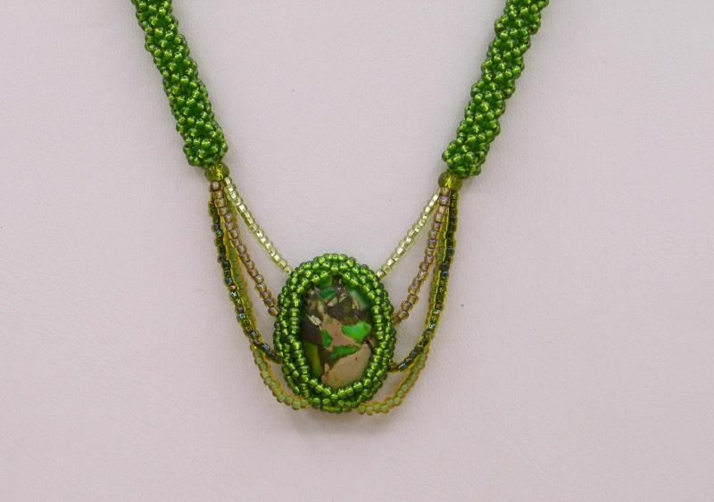 - Kette mit Jaspis Meeressediment Cabochon; grün - Kette mit Jaspis Meeressediment Cabochon; grün