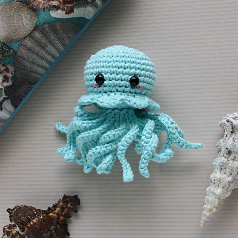 Kleinesbild - Die kleine gehäkelte Meduse aus Bio-Baumwolle Farbe nach Wahl Handarbeit