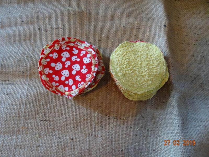 Kleinesbild - Handgemachte Waschbare Makeup-Pads gelb mit Pilzen