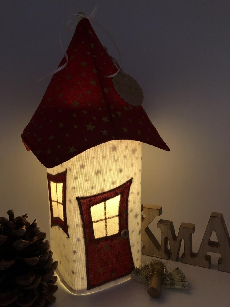 Kleinesbild -   Lichthaus,  ca. 34 cm,  Wichtelhäuschen,  Weihnachtshaus,  Weihnachtslampe,   Weihnachtsdeko, Fensterdeko, rot, gold