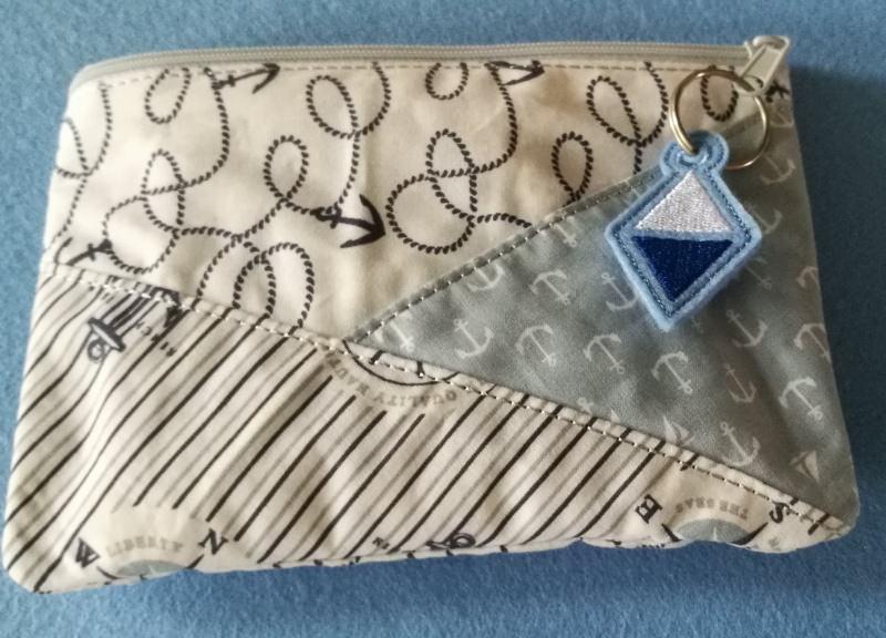 Kleinesbild -  Täschchen aus Stoff mit Reißverschluss für all die kleinen Dinge