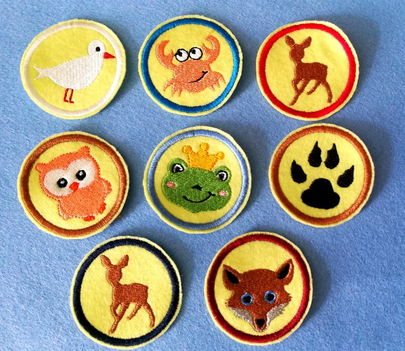Kleinesbild - Stickapplikation, Buttons zum Aufbügeln - sie verschönern alles und sie sind ein lustiges kleines Geschenk für jeden Anlass