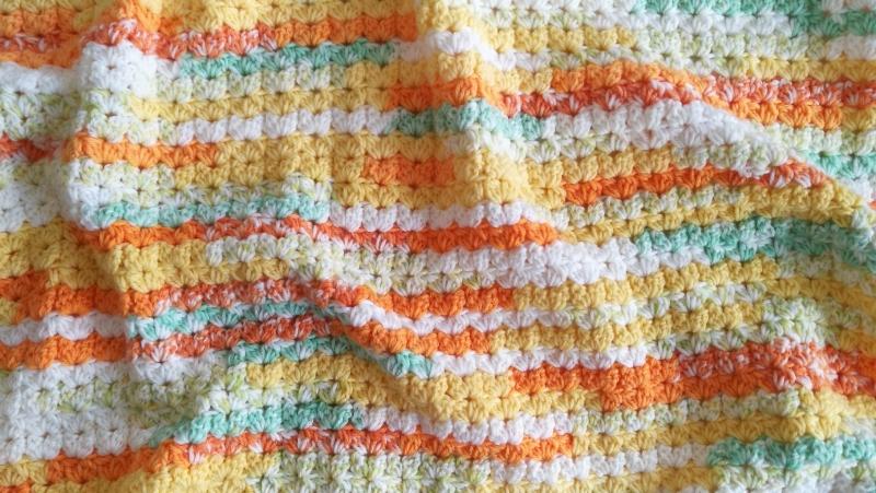 Kleinesbild - Babydecke zum Kuscheln, mit aufwendigem Muster gehäkelt, gelb-orange-bunt,Schmusedecke, weiche Tagesdecke für Babys