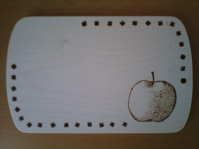 - Mit Brandmalerei verziertes Brettchen, Motiv Apfel oder anderes Obst oder Gemüse - Mit Brandmalerei verziertes Brettchen, Motiv Apfel oder anderes Obst oder Gemüse