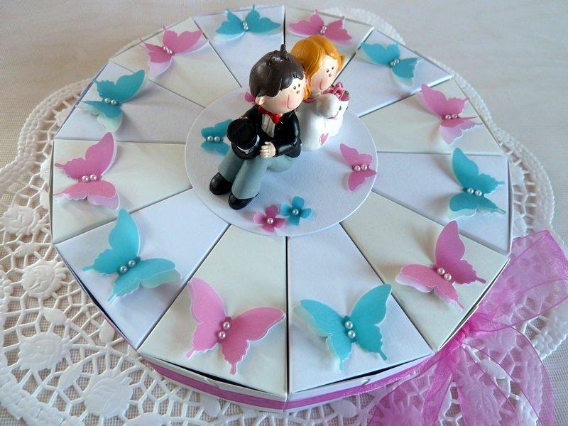 Kleinesbild - Hochzeitstorte/Schachteltorte in weiß/perlweiß *von IdeenOase*