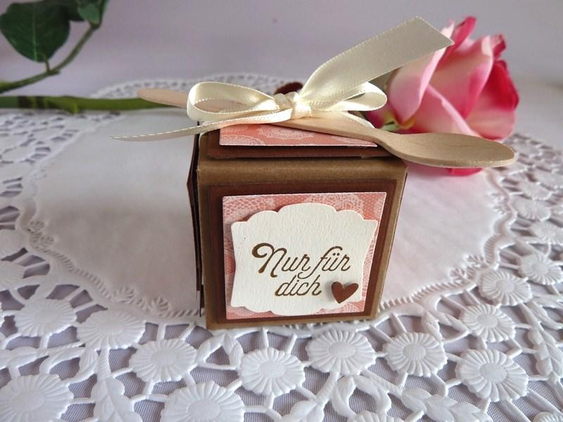 Kleinesbild - Mini-Nougatcreme-Gläschen in kleiner Box mit Löffel *von IdeenOase*