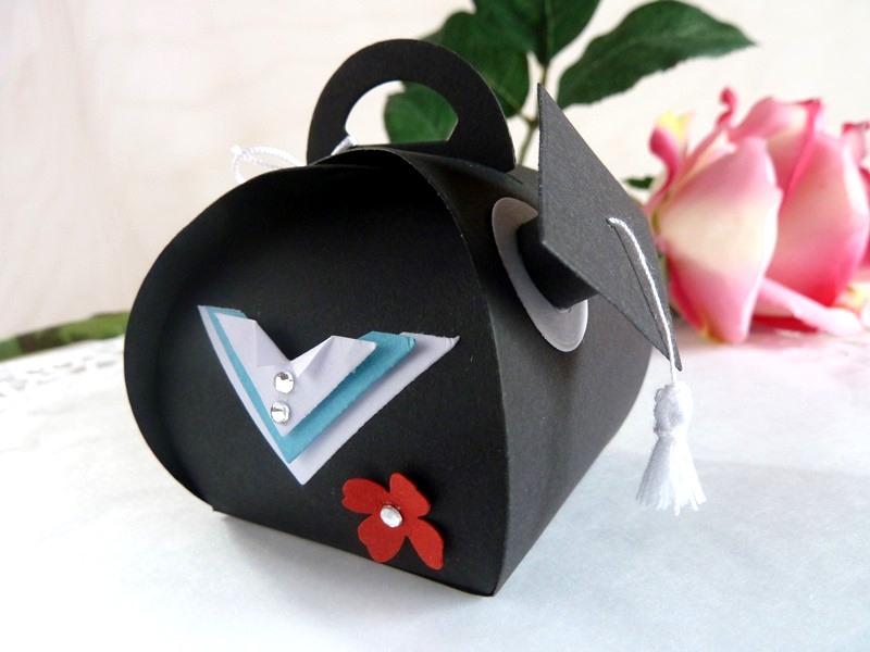 Kleinesbild - Geldgeschenkverpackung mit Doktorhut zur Promotion/Examen oder Abitur *von IdeenOase*